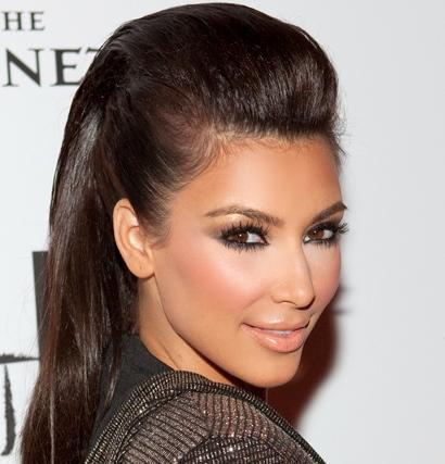 Прическа на средние волосы с начесом фото